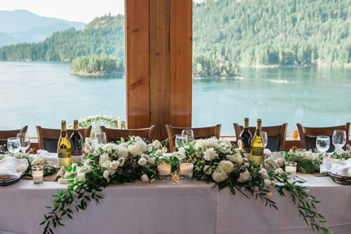 Table setting, flowers