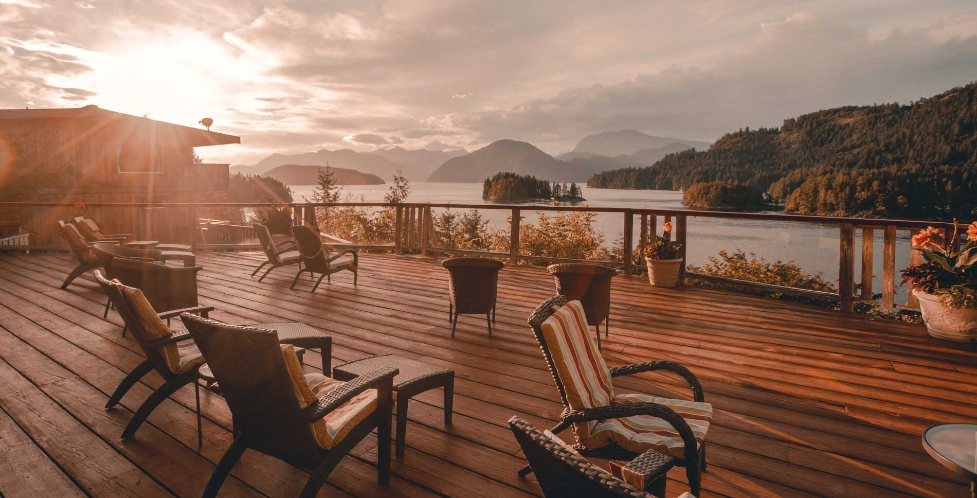 Dining and view decks